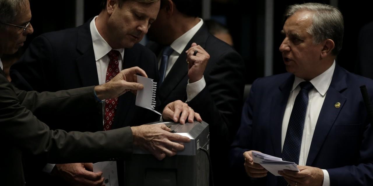 votação - Aliados de Bolsonaro podem propor impeachment dos ministros do STF - Por João Carlos Dalmagro Junior