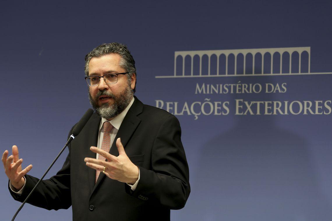 wdol abr 01021911241 - Chanceler prepara visita de Bolsonaro aos EUA para meados de março