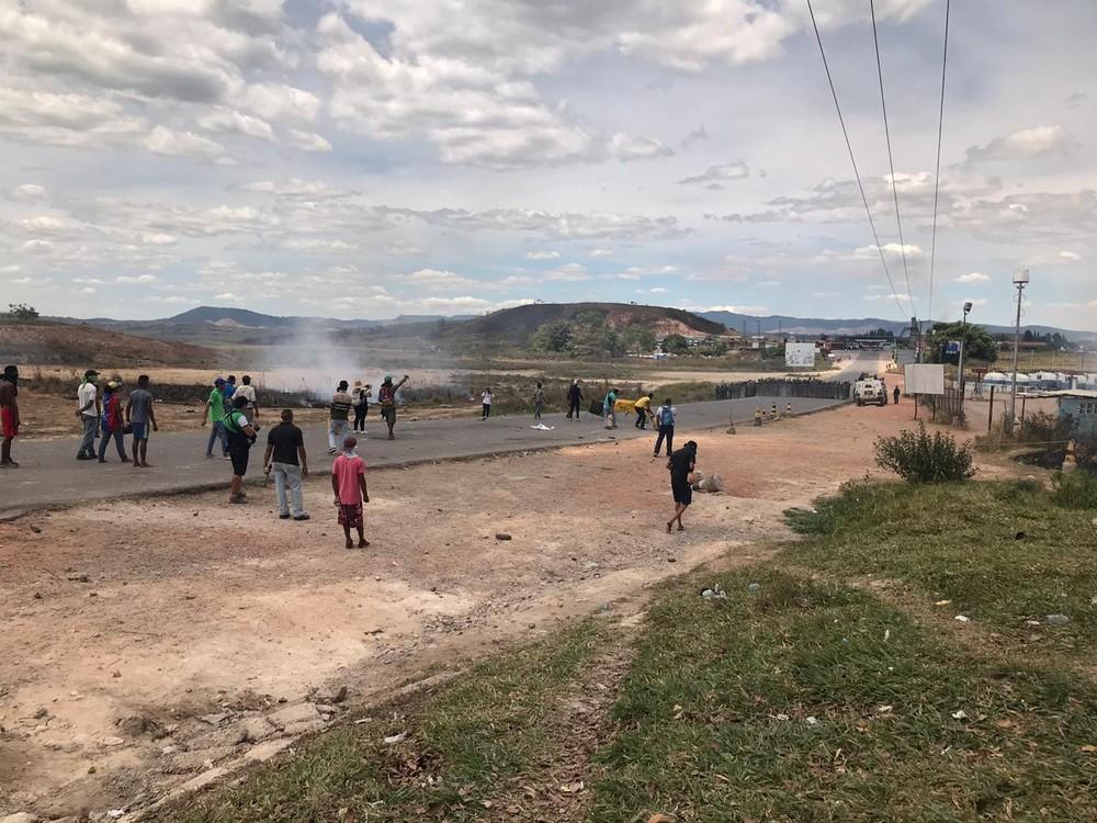 whatsapp image 2019 02 24 at 13.47.01 - Manifestantes e militares venezuelanos entram em confronto novamente na fronteira com o Brasil