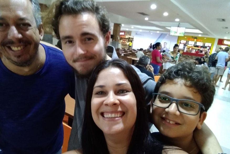 whatsapp image 2019 02 28 at 153632 - VISITA: Ator Callan McAuliffe, de Walking Dead é flagrado em shopping curtindo férias em João Pessoa