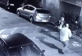 Policial a paisana reage a assalto e mata suspeito – VEJA VÍDEO