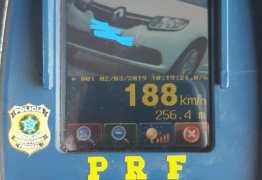 OPERAÇÃO CARNAVAL: radar flagra carro popular a 190 km/h na Paraíba; dois mil são multados por excesso velocidade