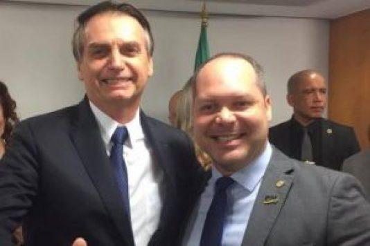 """52514062 1888365044605886 8834622636949504000 n e1552606619454 300x200 - Deputado sugere para Bolsonaro criação da """"Secretaria de Desesquerdização"""""""