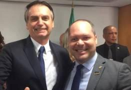 """Deputado sugere para Bolsonaro criação da """"Secretaria de Desesquerdização"""""""