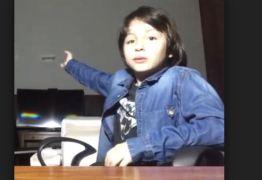 No YouTube, internautas desejam força para filho de Michel Temer; canal tem 6,8 mil inscritos