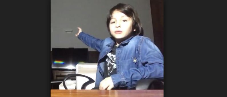 Capturar 25 - No YouTube, internautas desejam força para filho de Michel Temer; canal tem 6,8 mil inscritos
