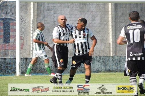 DSCN9323 300x200 - Maia faz 5 gols e garante vitória do Botafogo Master na abertura do Campeonato Quarentão de Mangabeira