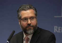 Ernesto Araújo critica FHC e diz que ex-presidente despreza o povo brasileiro