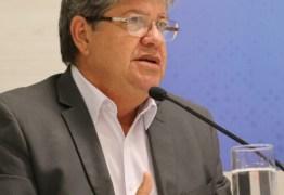 João Azevêdo anuncia inscrições para comerciantes do Parque do Povo e entrega créditos do Empreender-PB
