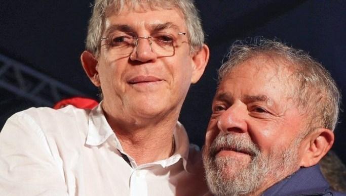 Ricardo e Lula - Ricardo Coutinho visita Lula na sede da PF em Curitiba