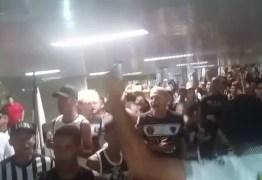 MAIS DE 5 MIL PESSOAS: após classificação na Copa do Brasil, torcida do Belo faz festa no aeroporto -VEJA VÍDEO