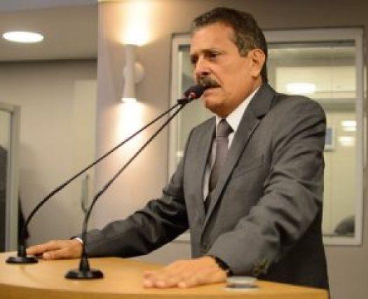 TIÃO GOMES 300x244 - Deputado Tião Gomes agradece ao governador retomada de obras em Areia e região do Brejo - VEJA VÍDEO