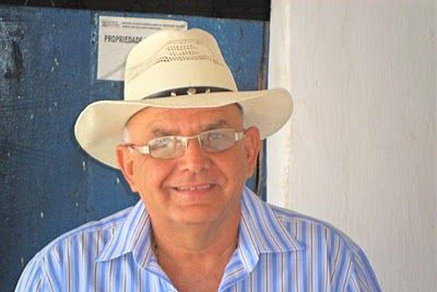 abelardo coutinho ex prefeito puxinana - AGREDIDOS COM CORONHADAS: Bandidos invadem residência e fazem ex-prefeito e vereador de reféns