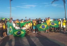 LAVA JATO: Manifestantes fazem ato contra decisão do STF na orla de Cabo Branco; VEJA VÍDEO