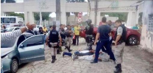 assalto 300x145 - Trio é preso após assalto com perseguição e tiros no Centro de JP