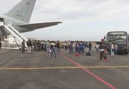 Grupo de venezuelanos chega à Paraíba vindo de Roraima por meio de processo de interiorização