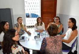 Primeira-dama visita Centro 8 de Março e conhece trabalho desenvolvido pela entidade