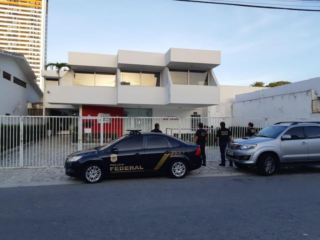 Roberto Santiago negociava contratos ilícitos da prefeitura de Cabedelo com pelo menos duas empresas; confira