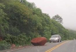 NO SERTÃO: serra de Teixeira registra deslizamentos de pedra e terra após fortes chuvas