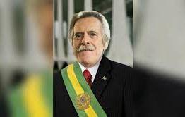 Autoproclamado presidente da República, Zé de Abreu convoca o povo para sua posse e pede impeachment de Bolsonaro