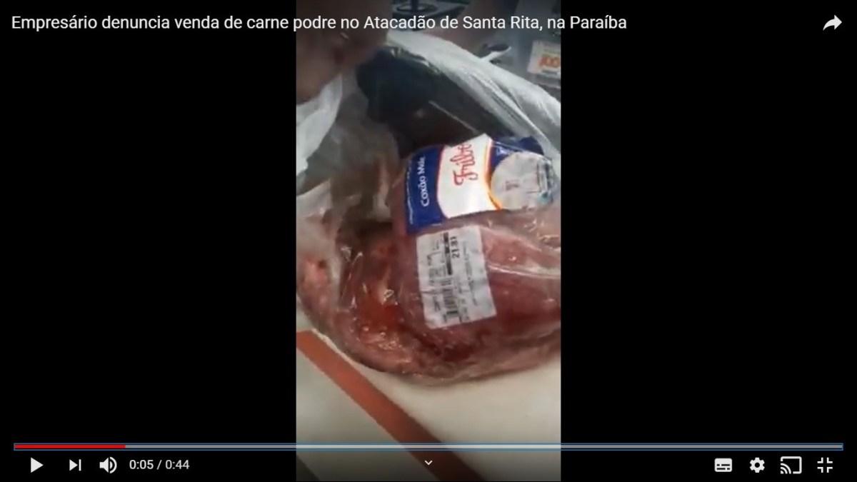 foto 102 - A CARNE É FRACA: empresário denuncia venda de carne podre no Atacadão de Santa Rita - VEJA VÍDEO