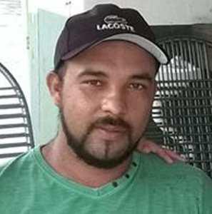 francenildo eder acusado matar clodoaldo 297x300 - Mais de seis meses após homicídio, família pede ajuda para encontrar assassino de Clodoaldo Filho
