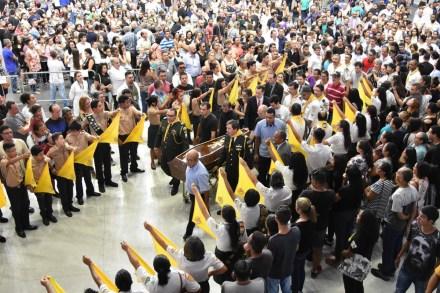fta20190314235 1 300x200 - Corpos de vítimas do massacre em escola de Suzano são enterrados