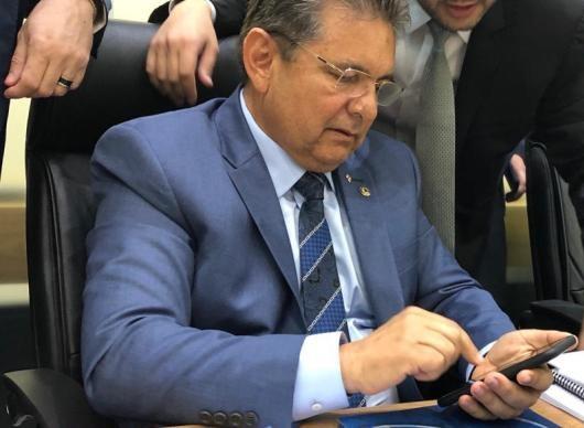 galdino celular - 'Posso ser candidato a prefeito de Pocinhos, em Campina Grande está descartado', avisa Adriano Galdino sobre 2020