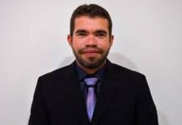 Após AVC, candidato a vice-prefeito de Cabedelo, Janderson Brito recebe alta e visita de adversários