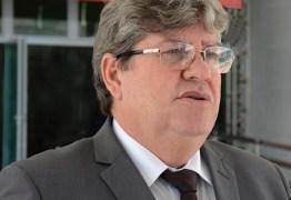 João Azevêdo anuncia pagamento este mês de adicional de inatividade para PM e Corpo de Bombeiros