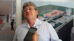 joao azevedo3 300x168 - João Azevêdo assina ordem de serviço para restauração da rodovia de Lucena