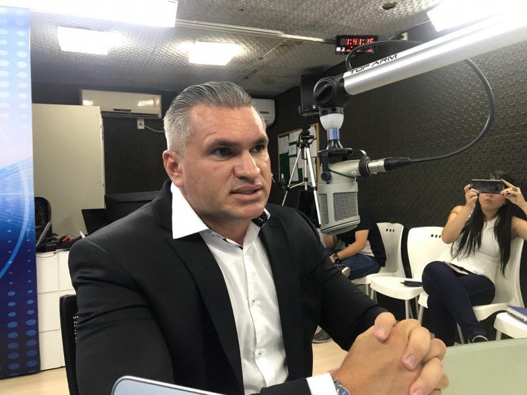 julian lemos2 1024x768 - VÍDEO – 'Melhor parte do Governo Bolsonaro são os militares', diz Julian Lemos