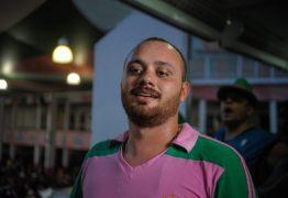 Carnavalesco da Mangueira responde a Bolsonaro e diz que Carnaval não é o que ele acha que é