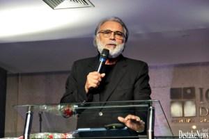 pastor estevam fernandes 1024x683 300x200 - Pastor Estevam Fernandes é submetido a cirurgia de urgência para desobstruir artérias do coração