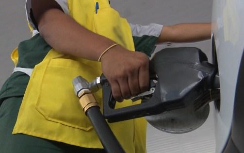 variacao postos 300x188 - Menor preço do litro de gasolina custa R$ 3,69 em João Pessoa, diz Procon-PB