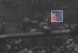 Aliados de Guaidó incendiaram caminhões com 'ajuda humanitária'; governo dos EUA muda discurso – VEJA VÍDEO