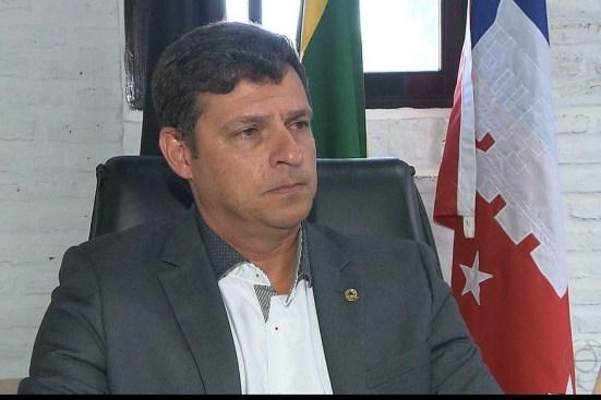 vitor hugo prefeito de cabedelo 300x200 - REVIRAVOLTA EM CABEDELO – TRE-PB anula por unanimidade decisão do registro da chapa de Vitor Hugo