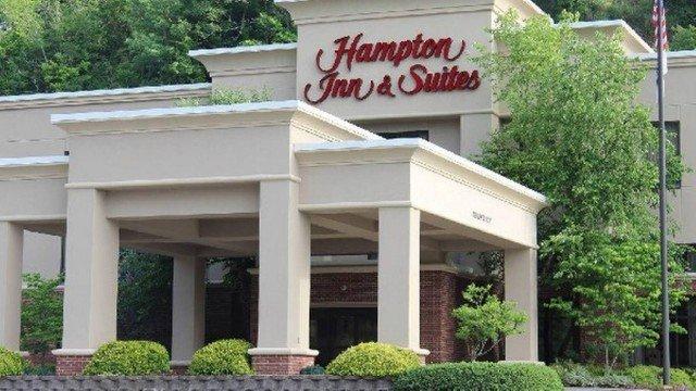 xblog hampton inn.jpg.pagespeed.ic .bXLxZSi u4 - Ex-funcionário processa rede de hotéis por ser forçado a se submeter a exorcismo