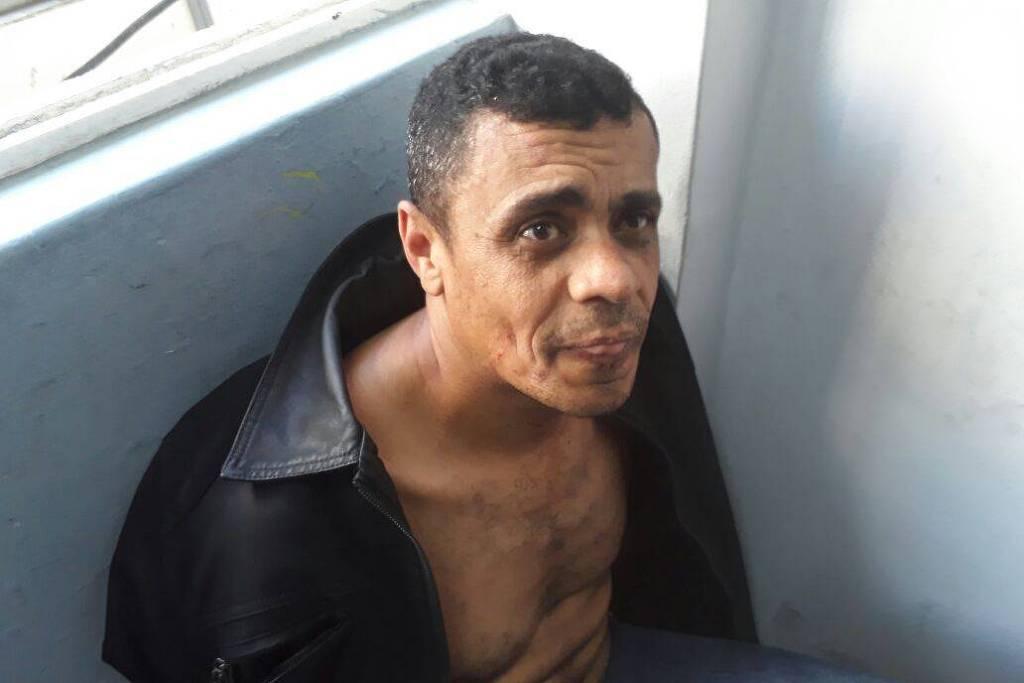 15380851135bad50f93b888 1538085113 3x2 lg - Defesa pedirá tratamento psiquiátrico para autor de facada contra Bolsonaro