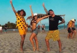 Cantor sertanejo xinga Neymar após foto do jogador com sua namorada