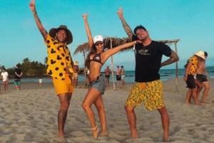 1 ney 10647115 10648007 300x201 - Cantor sertanejo xinga Neymar após foto do jogador com sua namorada