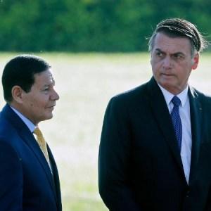 23abr2019 o presidente jair bolsonaro e o vice hamilton mourao 1556210927594 v2 450x450 300x300 - Mourão muda estratégia de comunicação após atritos públicos com Bolsonaro