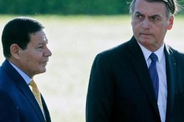 23abr2019 o presidente jair bolsonaro e o vice hamilton mourao 1556210927594 v2 450x450 - Bolsonaro não quer ter Mourão como vice na disputa para reeleição, diz jornal
