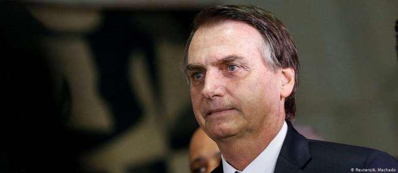 47610494354 300x131 - Bolsonaro admite intervenção nos preços da Petrobras