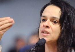 Deputada Janaína Paschoal diz que está sendo perseguida por apoiadores de Bolsonaro