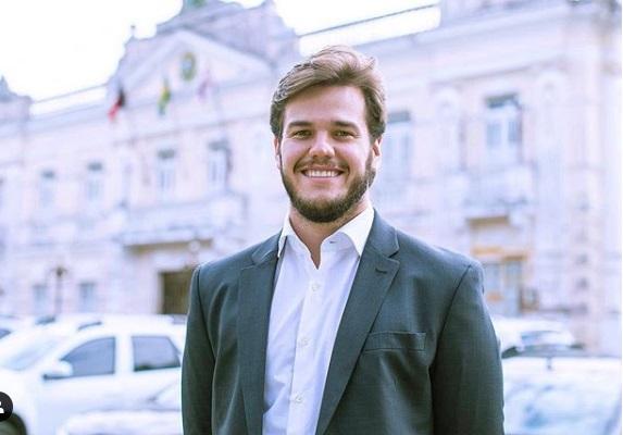BRUNO DESPEDIDA - 'Quem tem prazo não tem pressa', diz Bruno Cunha Lima ao revelar convites de quatro partidos para filiação
