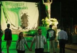 Velório de ídolo do futebol reúne torcedores, familiares e amigos, no Paraná