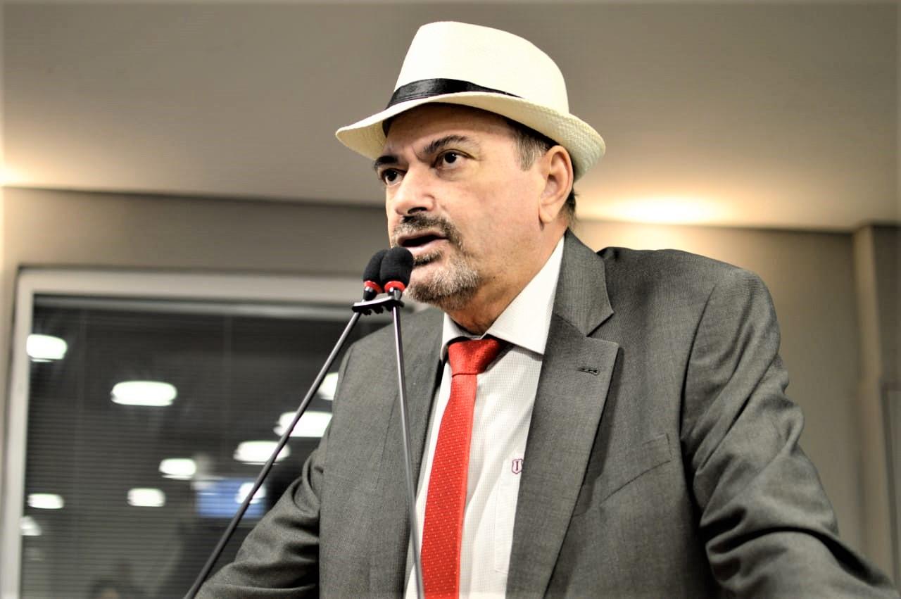 Deputado Jeová Campos faz um apelo para que Vara de Cajazeiras não seja removida  - Jeová Campos diz que pauta em defesa da falésia do Cabo Branco transcende qualquer alinhamento político