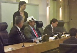 Deputado Jeová Campos sai em defesa do Hospital Napoleão Laureanoe critica gestão plena de saúde que sobrecarrega despesas do Estado
