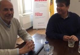 Ruy constrói parceria com entidade portuguesa de apoio aos pacientes de câncer